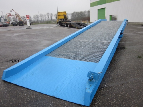 LOADING RAMP 10 TONS